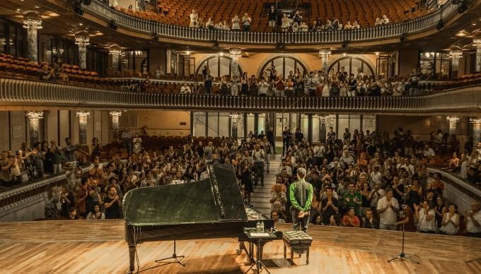 live Palau de la Música 2015 back